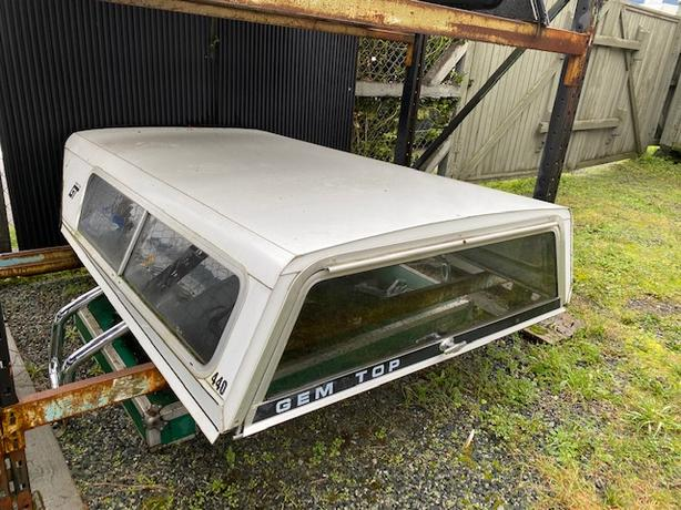 CANOPY FOR AN EL CAMINO