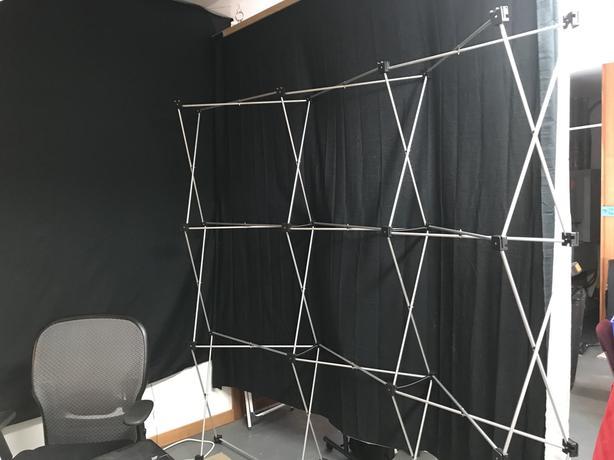 8' Pop up floor display