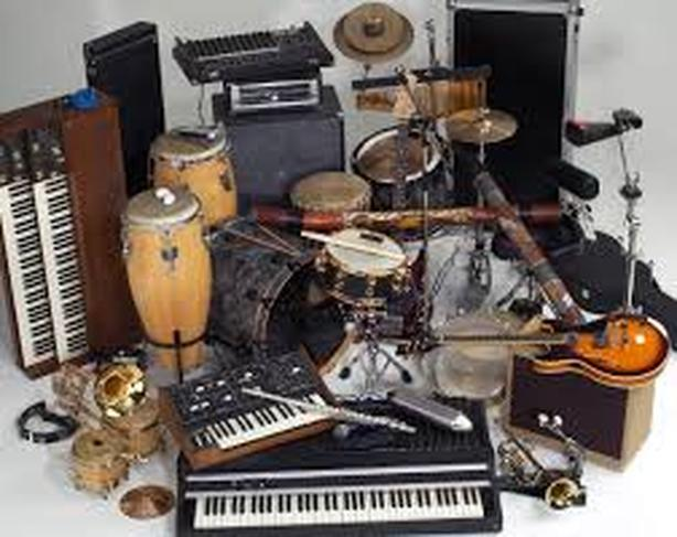 Collection of used Musical instruments on auction
