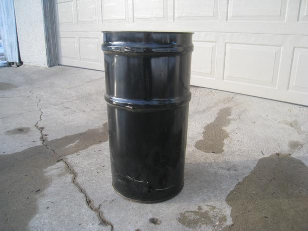 FIVE 60 LITER CLEAN METAL PAILS