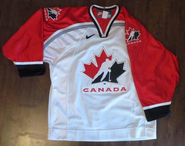 1998 Team Canada Olympic Hockey Jersey EUC