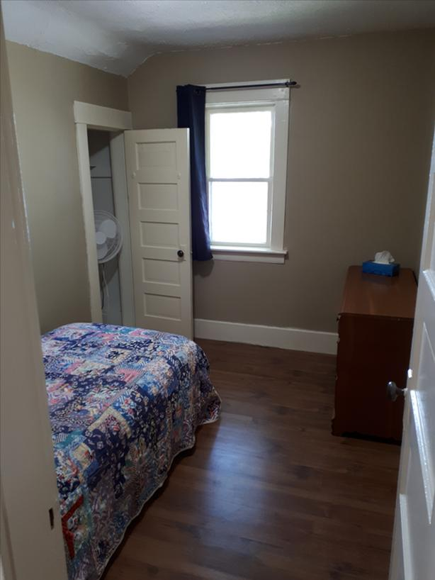 Room For Rent March 1