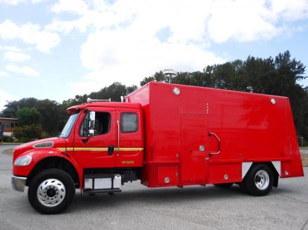 2006 Freightliner M2 Medium Duty Diesel Air Brakes Command Post Cube Van