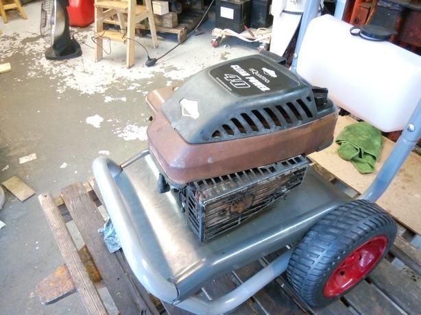 Rebuild Briggs & Stratton engine