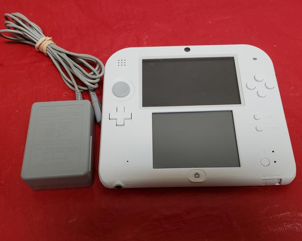 White & Red Nintendo 2DS Console