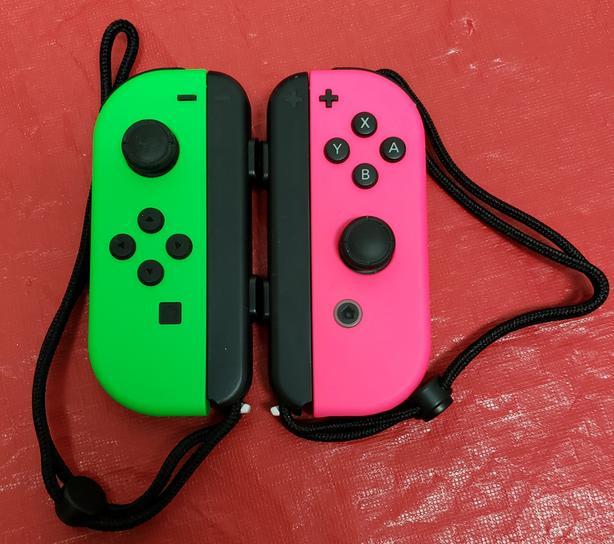 Nintendo Switch Neon Joycons