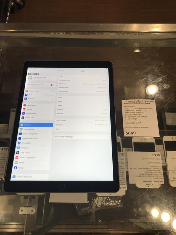 """12.9"""" Apple iPad Pro 2nd Gen Space Gray w/ WiFi 64 GB Tablet w/ Warranty!"""