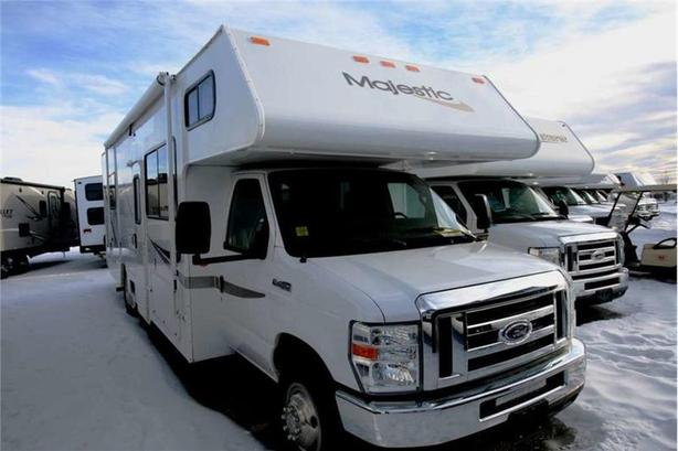 2011 Thor Motor Coach MAJESTIC 28A
