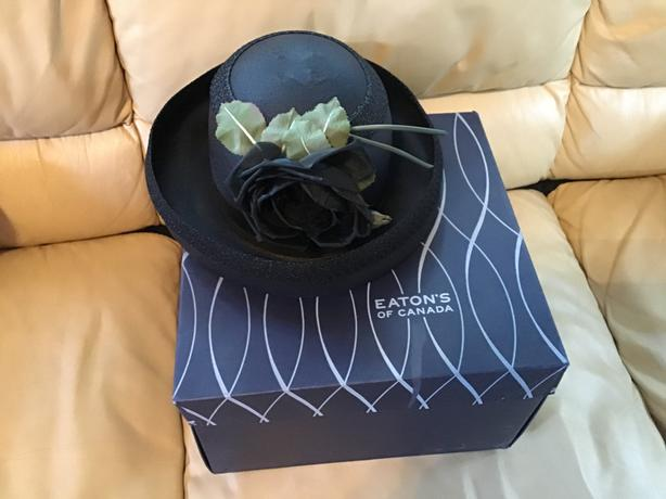 VINTAGE ANITA PINEAULT WOVEN HAT AND EATONS HAT BOX