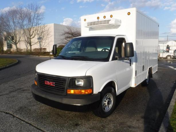 2011 GMC Savana 3500 11 Foot Cube Van with Refrigerated Box