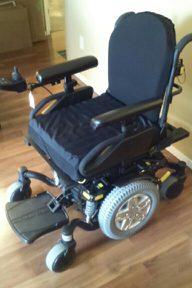 Power Wheelchair Quantum Edge 6