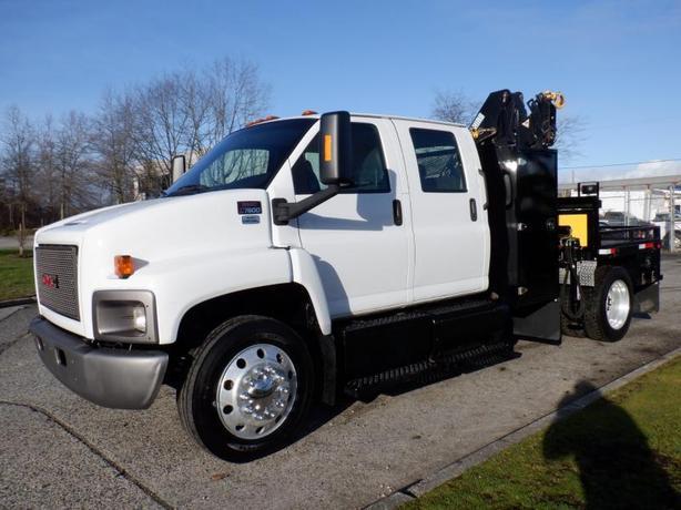 2009 GMC C7500 Flat Deck 8 foot Crew Cab Crane Service Truck Diesel