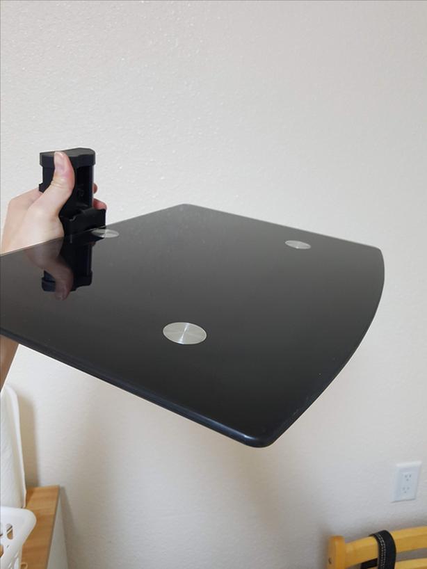 Adjustable floating shelf