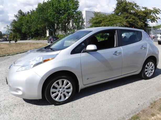 2016 Nissan LEAF S EV Plug-in Electric