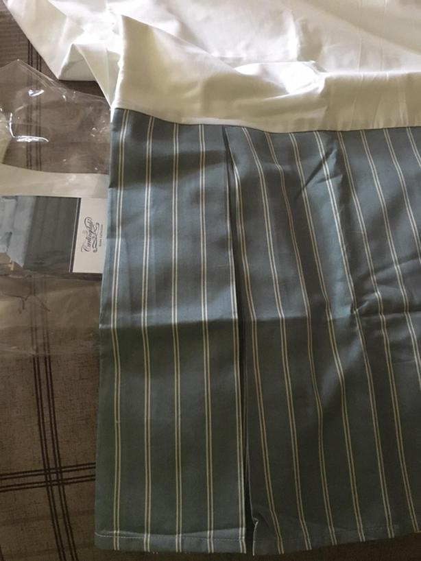 BRAND NEW IN PKG CARLINGDALE BOX-STYLE KING SIZE BEDSKIRT ($179 + tax)