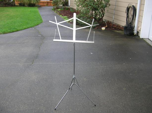 Sheet Music Stand.   (068 0502)