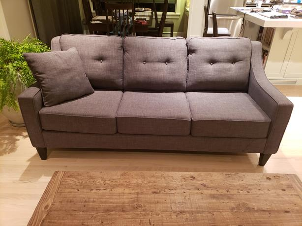 MINTY FRESH!  Elite brand Hilton Sofa (Made in Canada!) EXCELLENT condition!