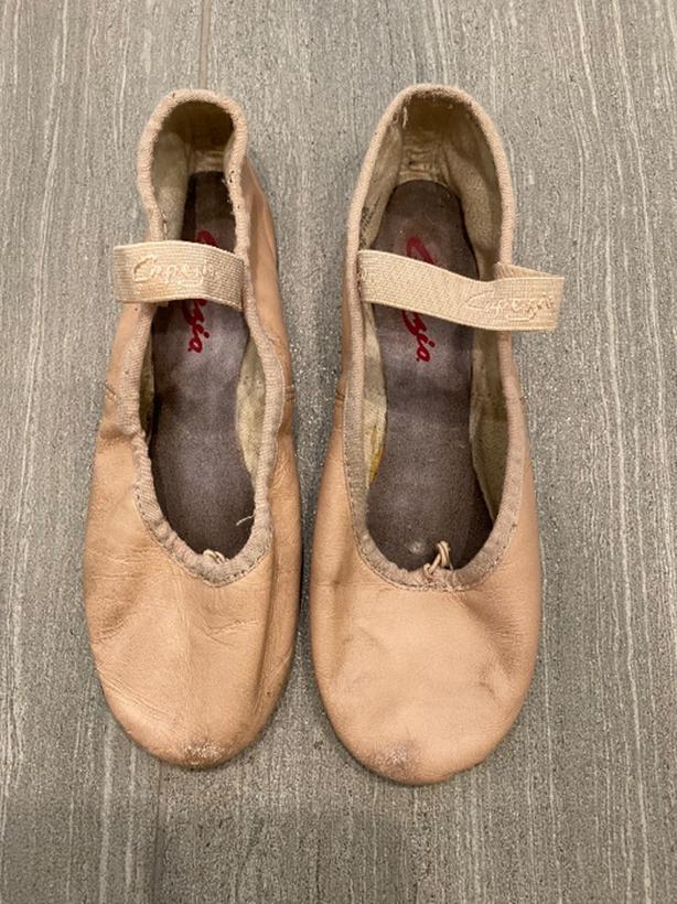 Capezio leather ballet shoes, size 5.5