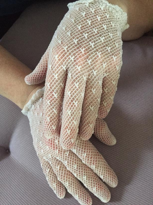 fish net gloves