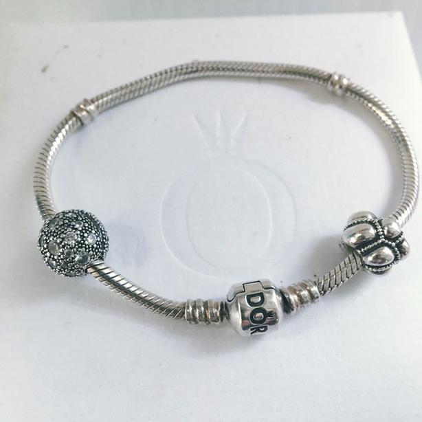 Pandora Moments Snake Chain Bracelet w/charms