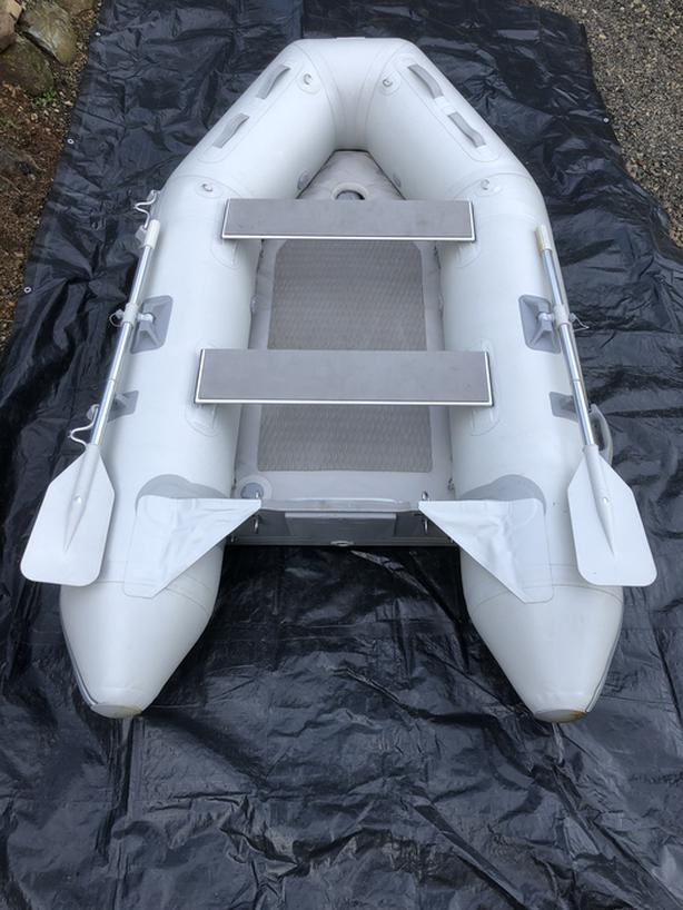 9' Inflatable Tender c/w Weaver davit system!