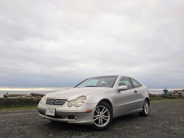 *RARE* *SIX SPEED MANUAL* 2002 Mercedes-Benz C-230 Kompressor Hatchback