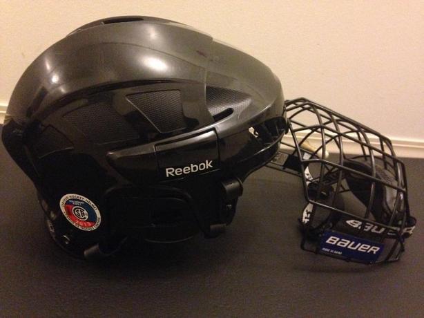 Reebok 3k large helmet with Bauer RBE iii cage