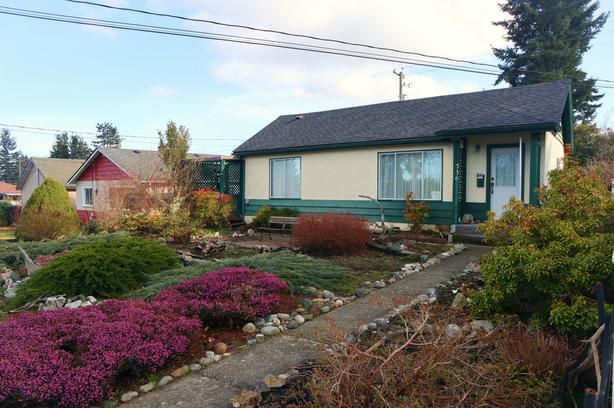Charming Bungalow near Downtown Courtenay