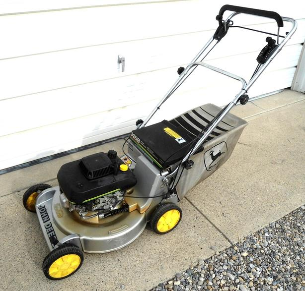 JOHN DEERE 14 SB SELF PROPELLED LAWNMOWER