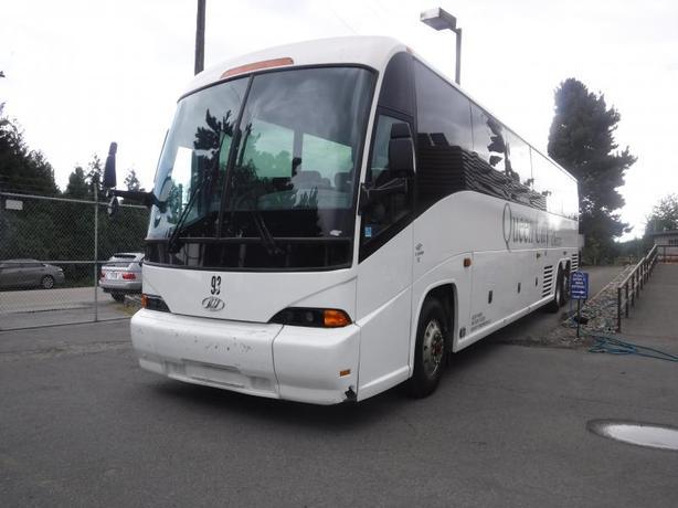 2004 MCI J4500 57 Passenger Bus with Air Brakes