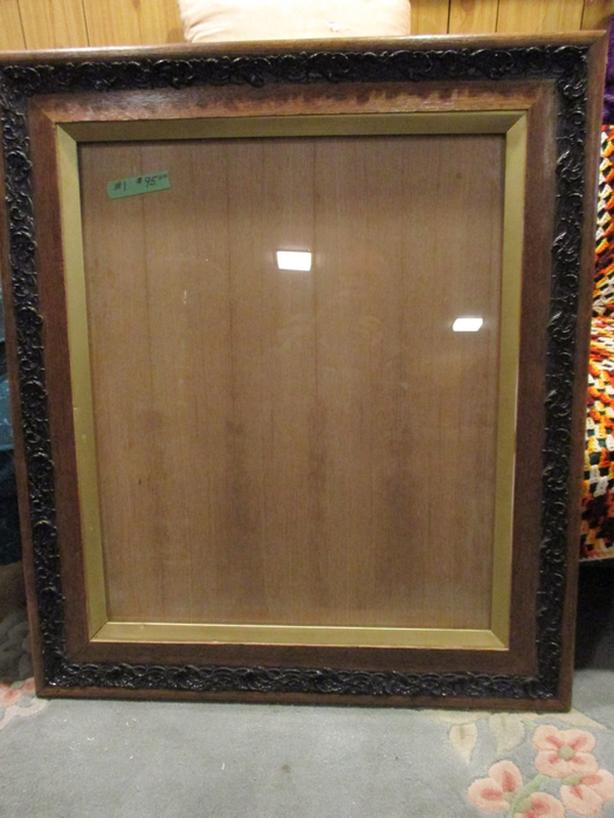ESTATE PICTURE FRAMES