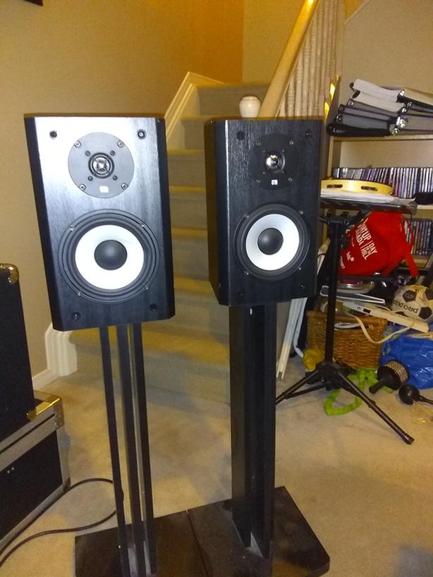 Axiom 3M Ti Bookshelf Speakers