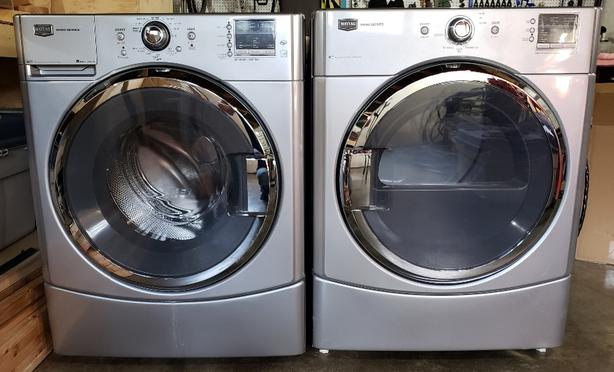 MINTY FRESH!  Maytag 2000 series Washer AND Dryer SET!