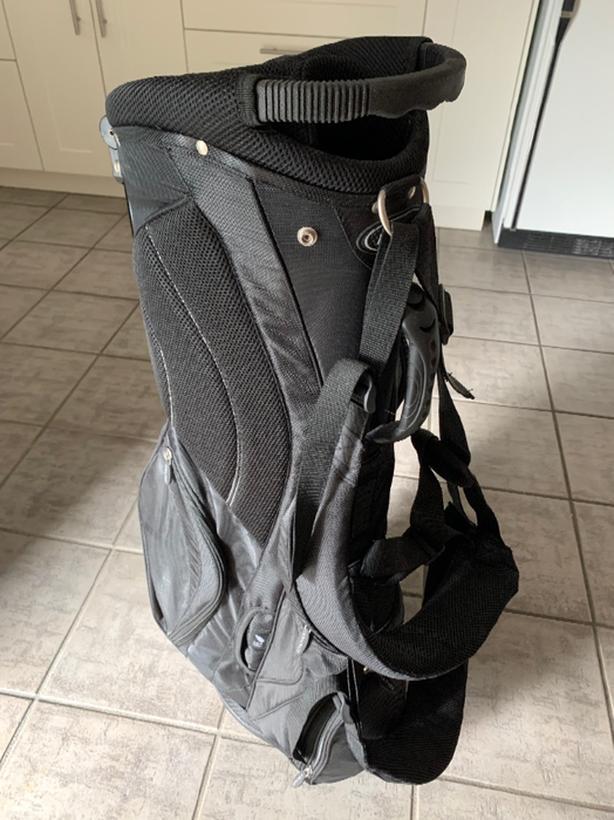 Brand new golf bag  (Amanati)