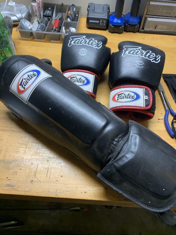 Fairtex Glove and Shin pad set