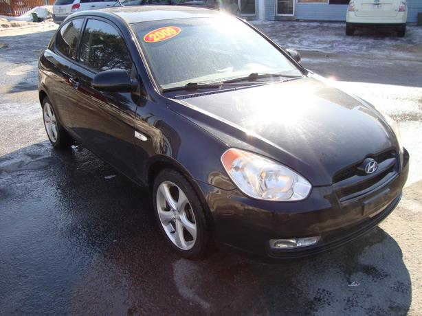 2009 Hyundai Accent  ***Only 122 000 KM***