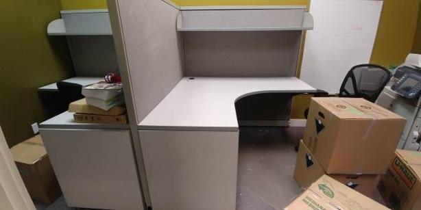 FREE: 5 x 5 ft Cubicles desk