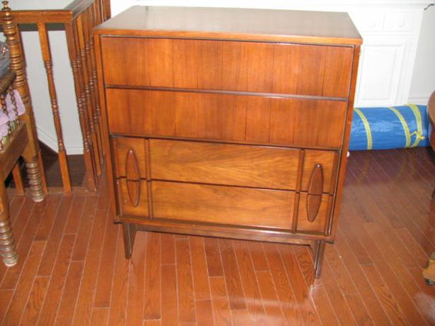 Dresser: mid century