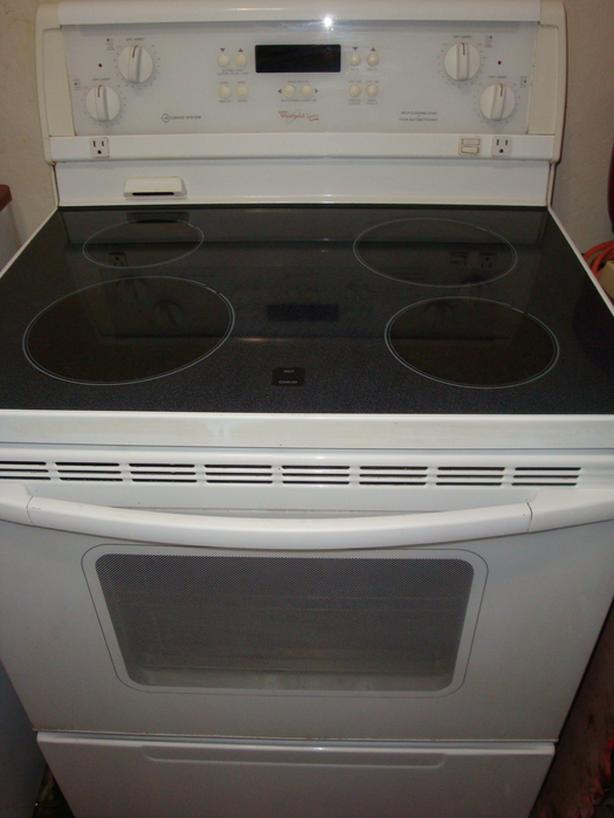 Whirlpool flat top stove ,self clean and convection oven