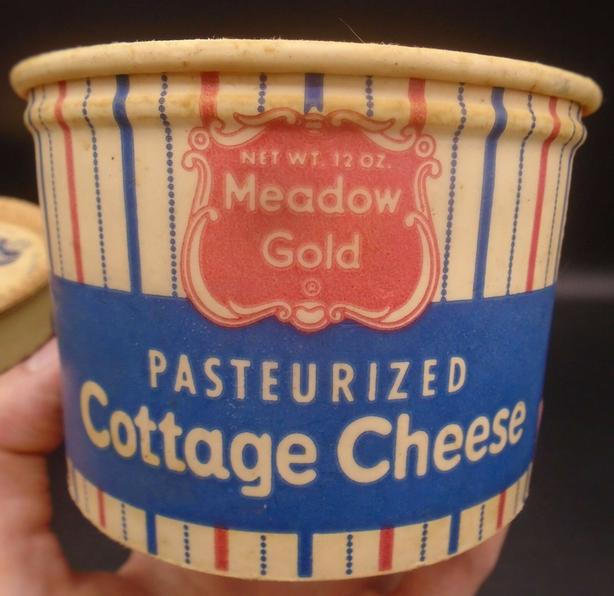 VINTAGE 1950's MEADOW GOLD COTTAGE CHEESE (12 OZ.) PAPER CARTON