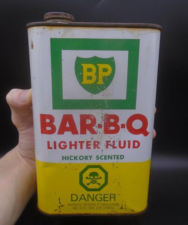 VINTAGE 1970's BP BAR-B-Q LIGHTER FLUID (32 OZ.) CAN