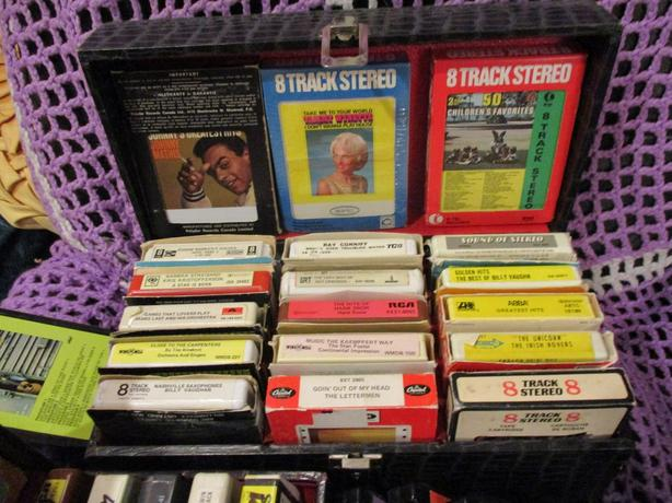 ESTATE 8 TRACK PLAYER AND TAPES