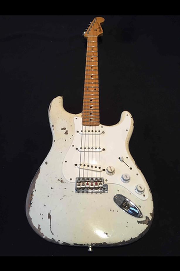 Wanted: Fender Masterbuilt Tele or Masterbuilt Strat Guitar