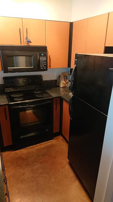 4 PC Frigidaire Kitchen Set
