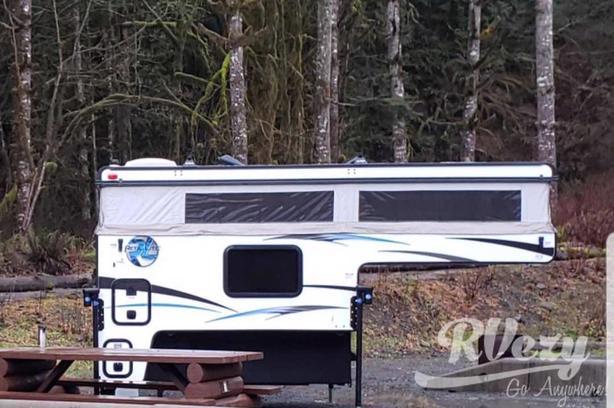 SS1608 Pop-Up Camper (Rent  RVs, Motorhomes, Trailers & Camper vans)