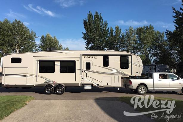 325BHQS (Rent  RVs, Motorhomes, Trailers & Camper vans)