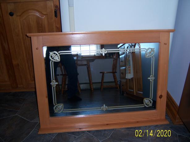 Mirror With Wooden Trim (Pine)