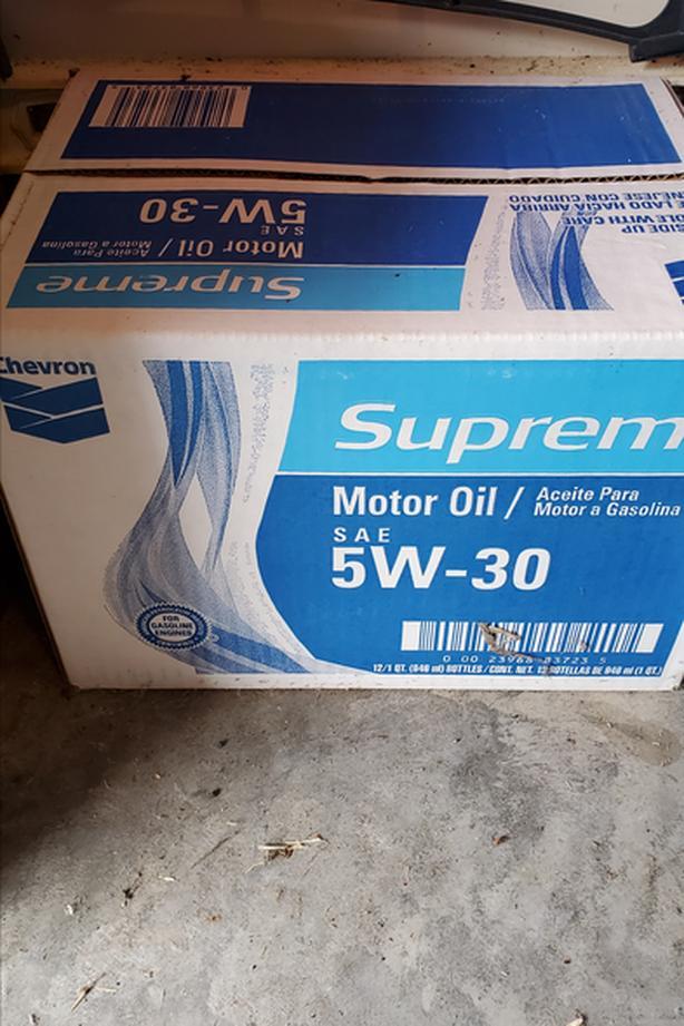 5w-30 motor oil case +
