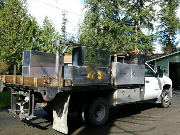 💥 Chevrolet Truck, DURAMAX DIESEL Flatbed, Crane, Fuel Tank SO. KING COUNTY