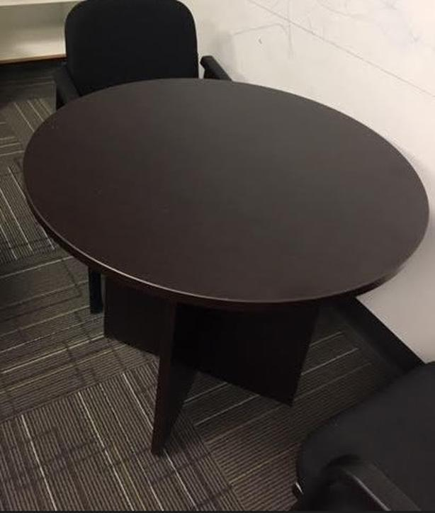 Cafe/round table